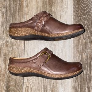 NWOB Aetrex Libby Leather Mules